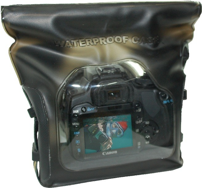 DiCAPac WP-S5 wasserdichte Spiegelreflex-Kameratasche - vorne mit Kamera